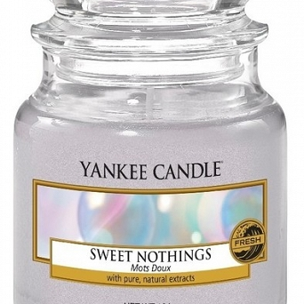 Yankee Candle Small Jar  Sweet Nothings 104g